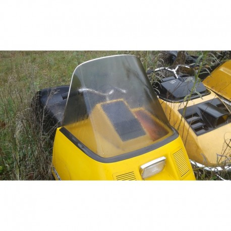 72-83 Elan windshield smoke and chrome top trim
