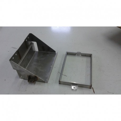 Battery box – front
